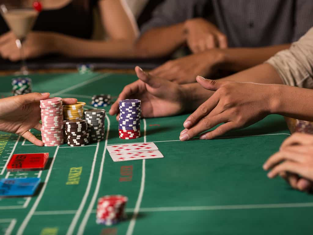 3 types of online casino table games